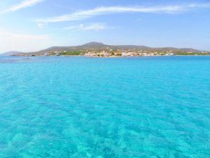 Das türkisfarbene Wasser von Elafonisos - gesehen von der Fähre aus