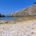 Die kleine Nacktbadebucht Glossa Beach wirkt geheimnisvoll.