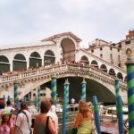 Die Rialto-Brücke in Venedig.